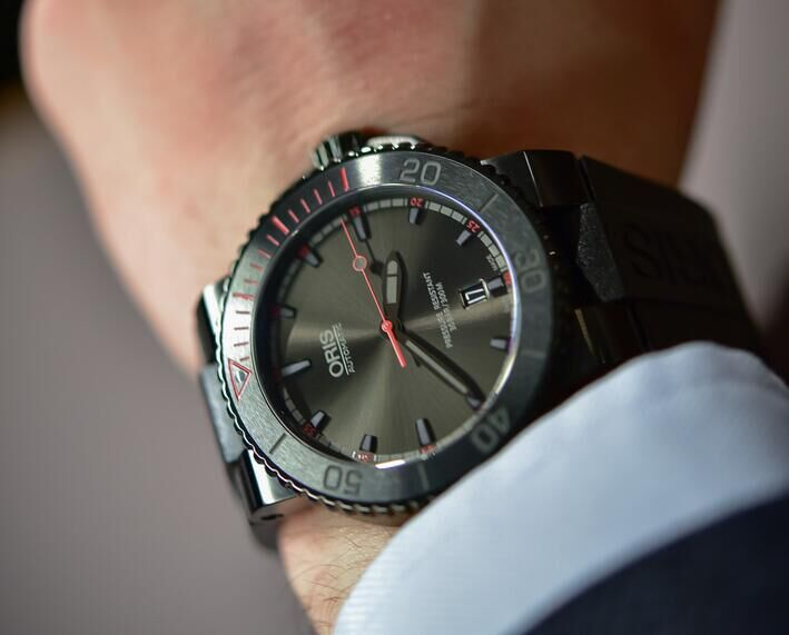 Oris-El-Hierro-Limited-Edition_