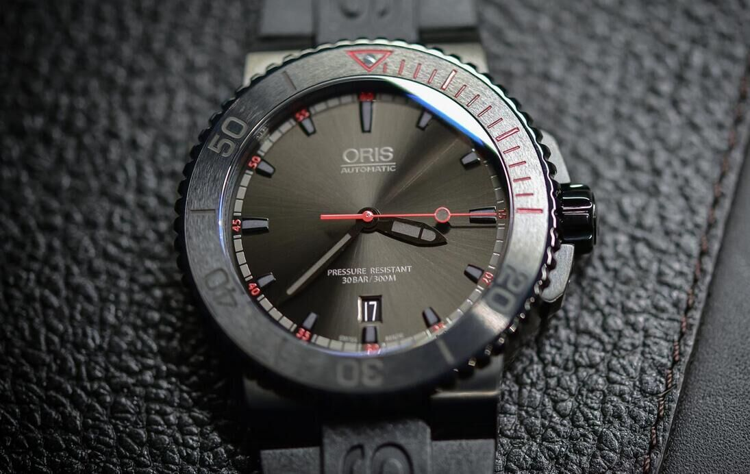Oris-El-Hierro-Limited-Edition__
