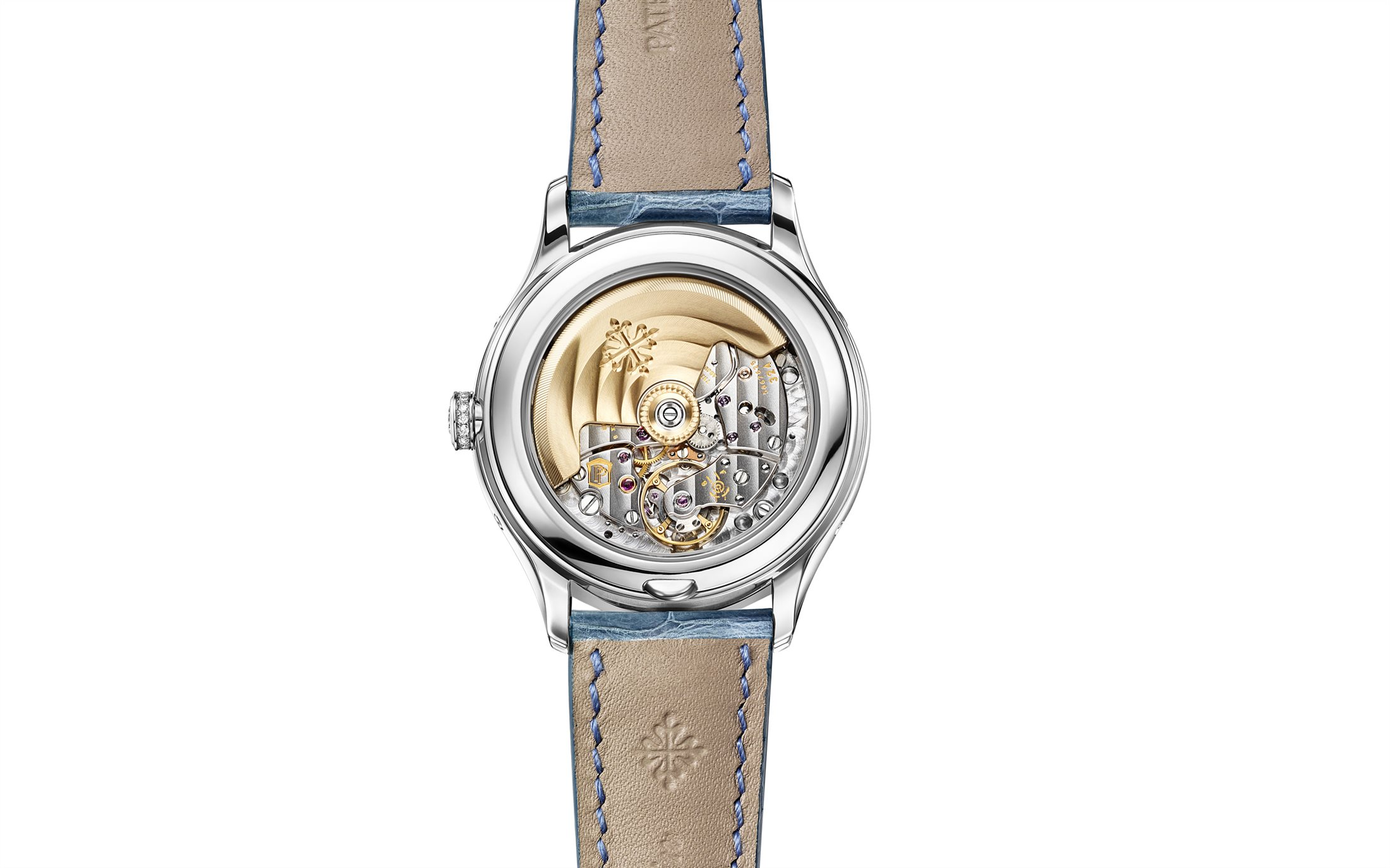 The beautiful and precise movement could be viewed through the transparent caseback.