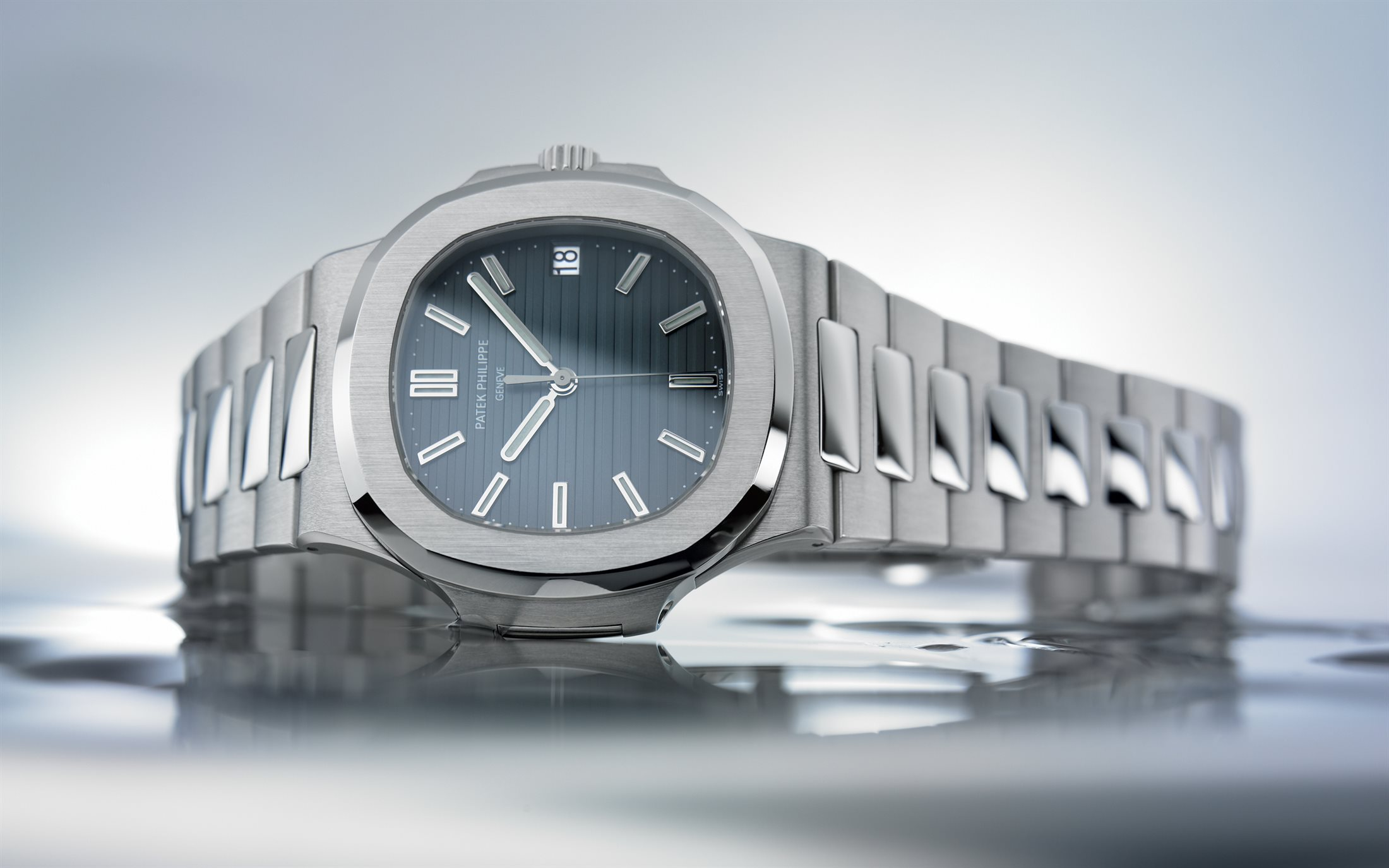 The Patek Philippe Nautilus sports a distinctive look of both sporty and elegant style.