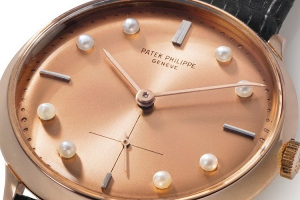 The natural pearls on the dial as hour markers are from Bahrain.