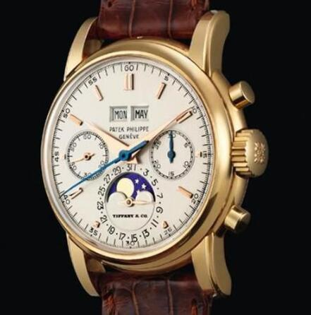 The Patek Philippe has been equipped with multiple complex functions, which is worthy of collecting.