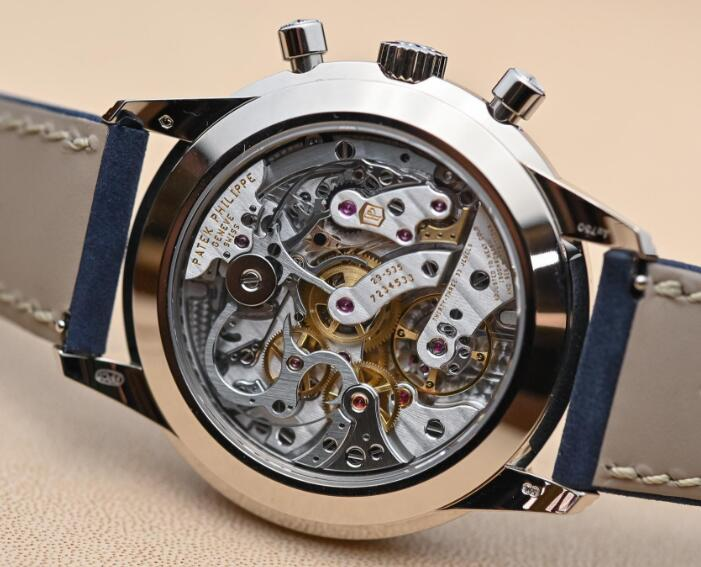 The manual winding mechanical movement is amazing.