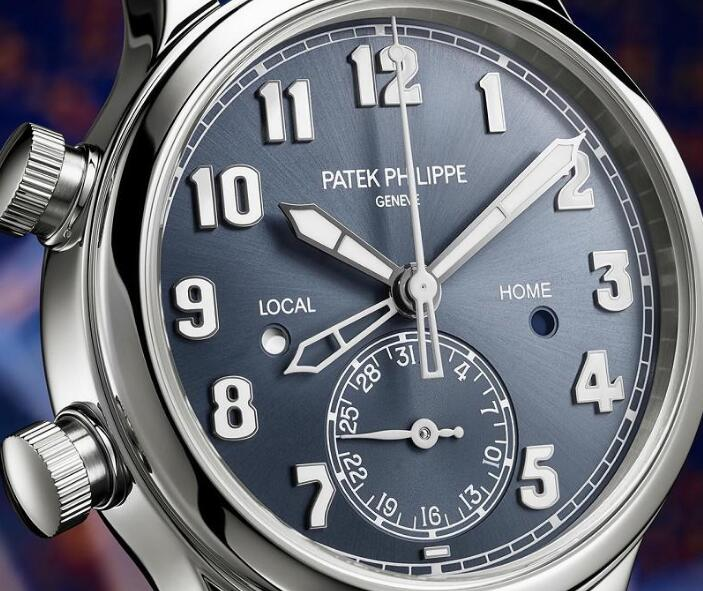 The oversized white Arabic numerals hour markers ensure the good readability.