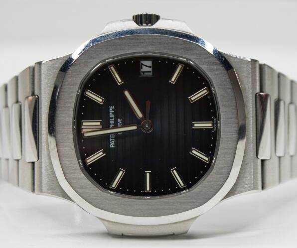 The Patek Philippe Nautilus fake is best choice for men.